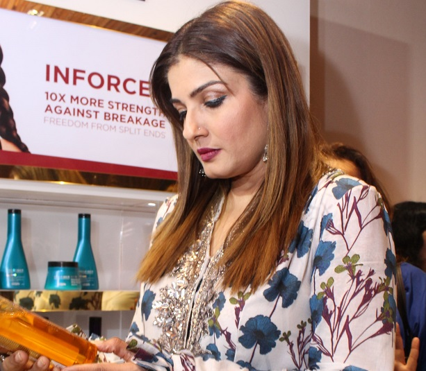 Blonde & Brunette opening by Raveena Tandon